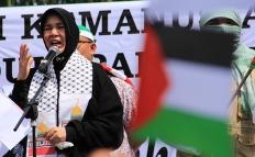 Ibu-Walikota-Banda-Aceh-Illiza-Saaduddin-Djamal-berorasi-untuk-aksi-peduli-Palestina